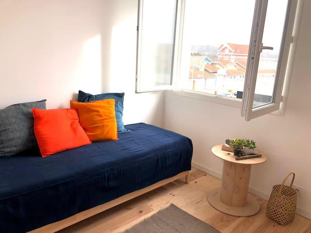 Chambre 2 – deux lits de 80x200– SdB et Toilettes privatifs