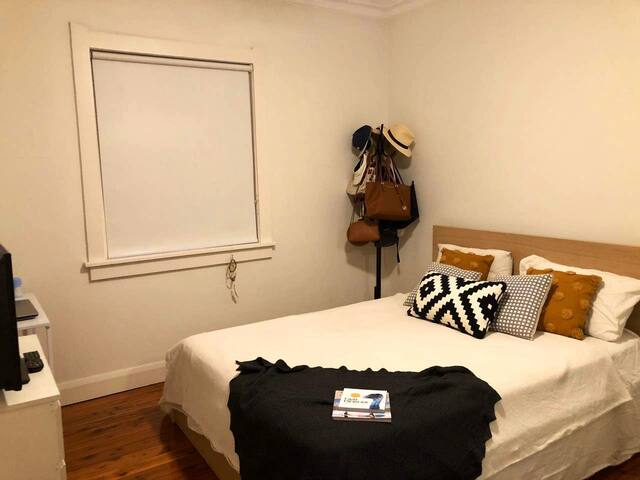 Private room and bathroom in Bondi Junction