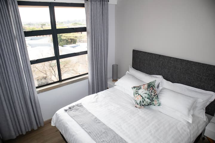 Luxury Off Grid 2 Bedroom Brooklyn Apartment 315