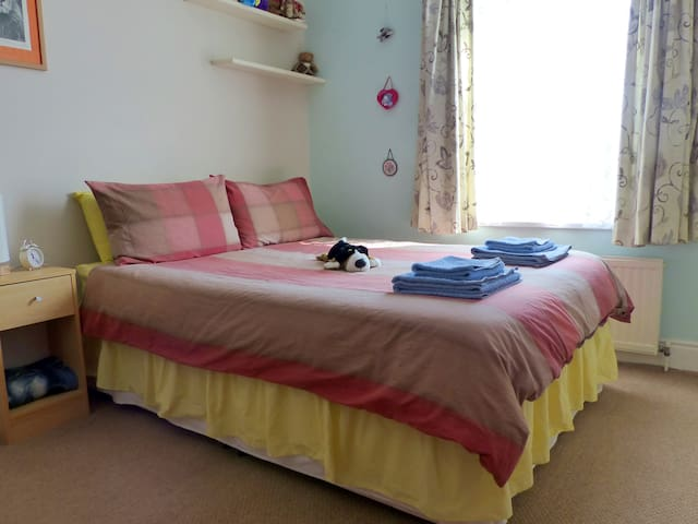 Cosy Double Bedroom in Period House - Portsmouth - Casa