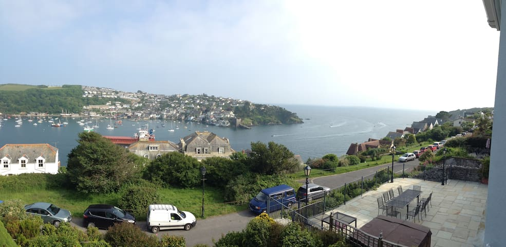 Prime location, stunning views, Relax and unwind. - Fowey - Huis