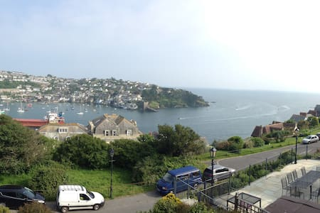 Prime location, stunning views, Relax and unwind. - Fowey