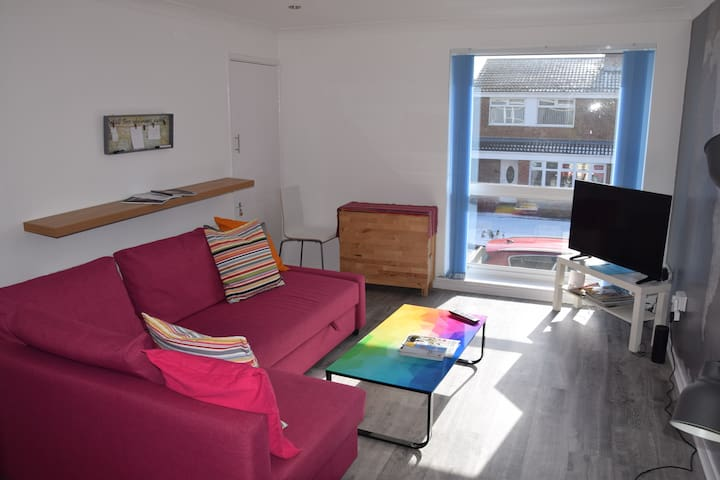 Sparkling 2 bedroom 1st floor flat in Washington.