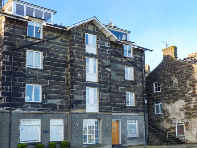 HARBOUR SUITE, pet friendly in Porthmadog, Ref 993713