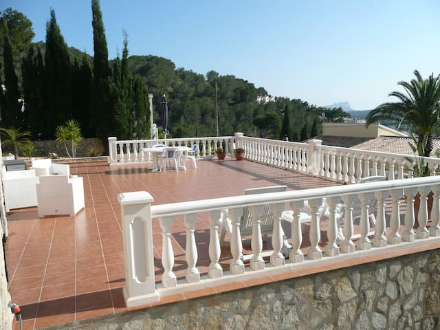 Apartment in Moraira with lage, private pool - Teulada