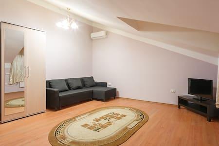 Апартаменты-студия VlStay с мансардой - Khabarovsk - Apartment