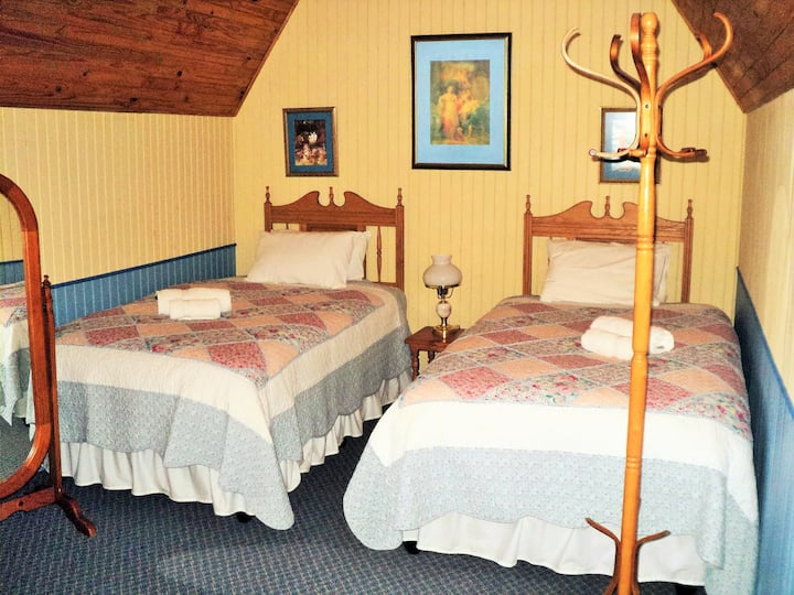 A Pilgrim's Rest Guesthouse Twin Room
