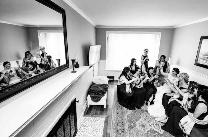Living room of love.  By: The Right Moments Photography