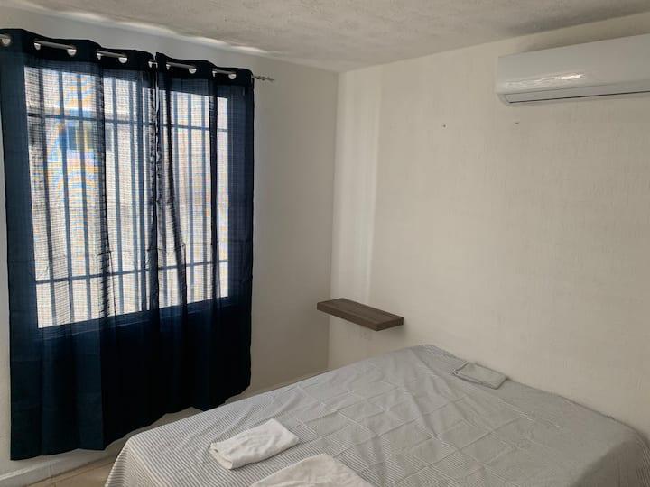 Private Room 1, Muy cerca del 4 1/2. Pemex.