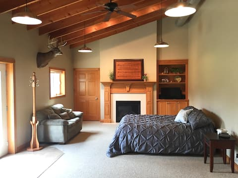 Large Private Studio Apt. with attached indoor gym