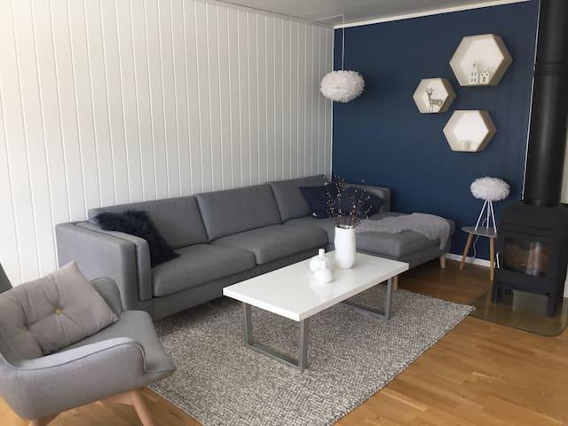 Moderne leilighet omringa av flott natur - Kaupanger - Apartment