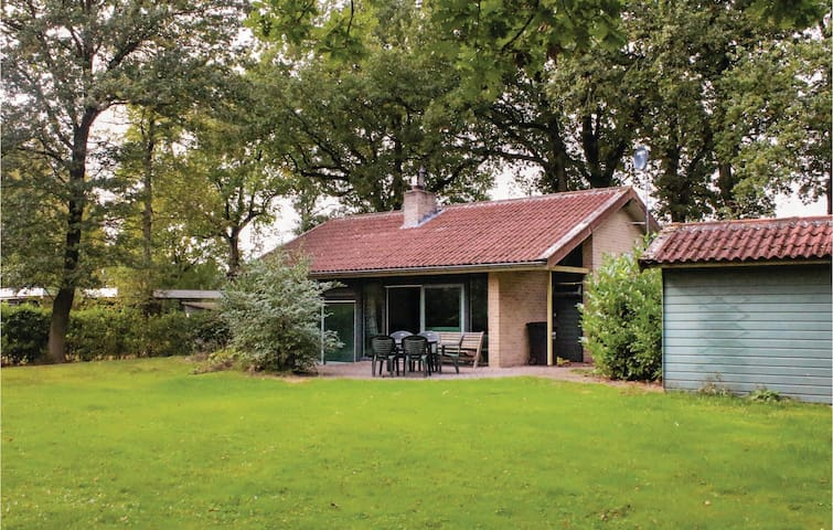 Holiday cottage with 3 bedrooms on 65 m² in Gees