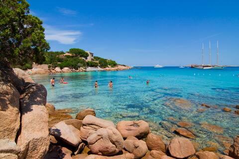 Topo da praia da Costa Esmeralda Sardenha