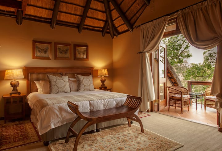 Nirvana Luxury Family Suite with Balcony & View