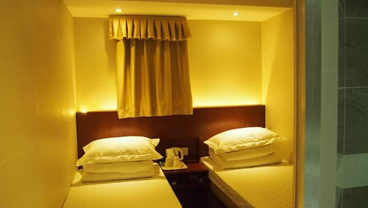 D8-Standard Twin Bed Room