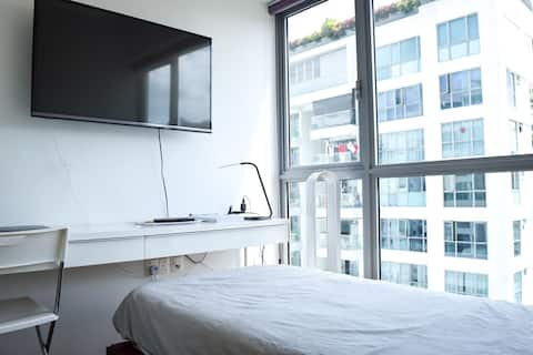 Room w Attached Bathroom; 200m to MRT Station