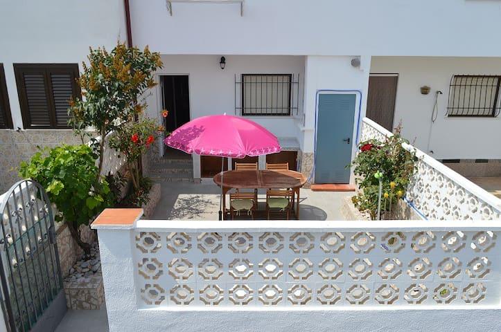 Maison à 95 m de la plage/ Casa a 95 m de la playa