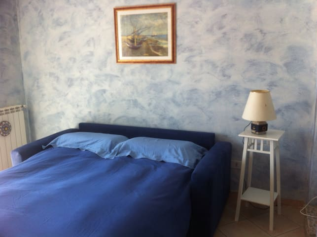 Cozy room with terrace - Fiumicino - Casa