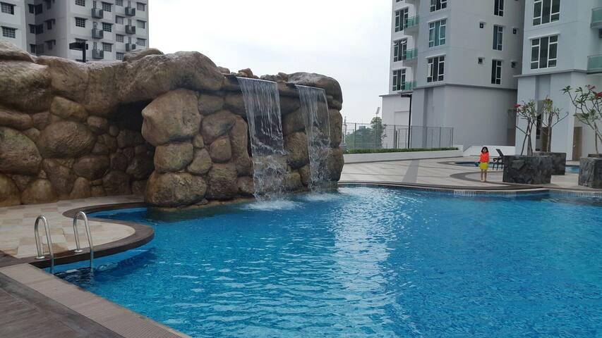 Johor Bahru Homestay 8pax @15m Singapore /Legoland - Johor Bahru - Byt