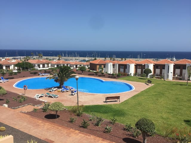 Great sea views apartment near two golf courts