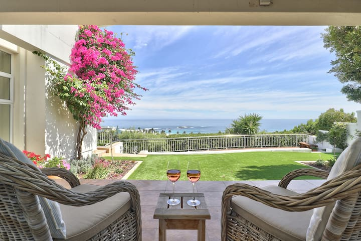 Grand 4 Bed Serviced Home W/Pool & Beach Views ♛