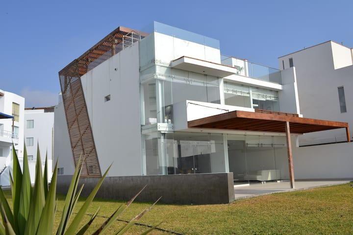 Beautiful Ocean view House.