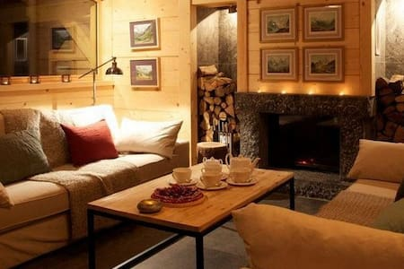 Newly Built Chalet For Ten with sauna and cinema - Bungalo