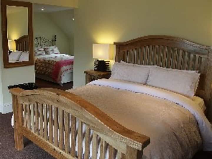 Family sized room - Ashtree House Hotel