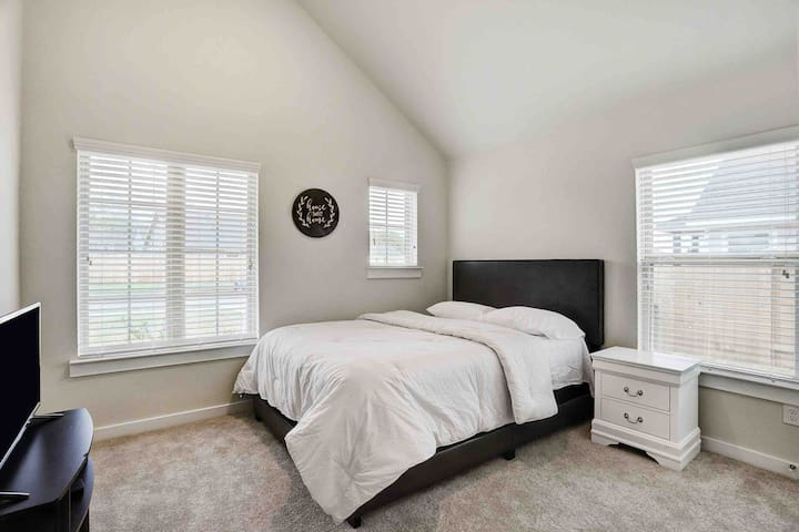 1st private bedroom immediately to the left of the entryway! Upgraded Tommy Hilfiger comforter and Calvin Klein sheets.
