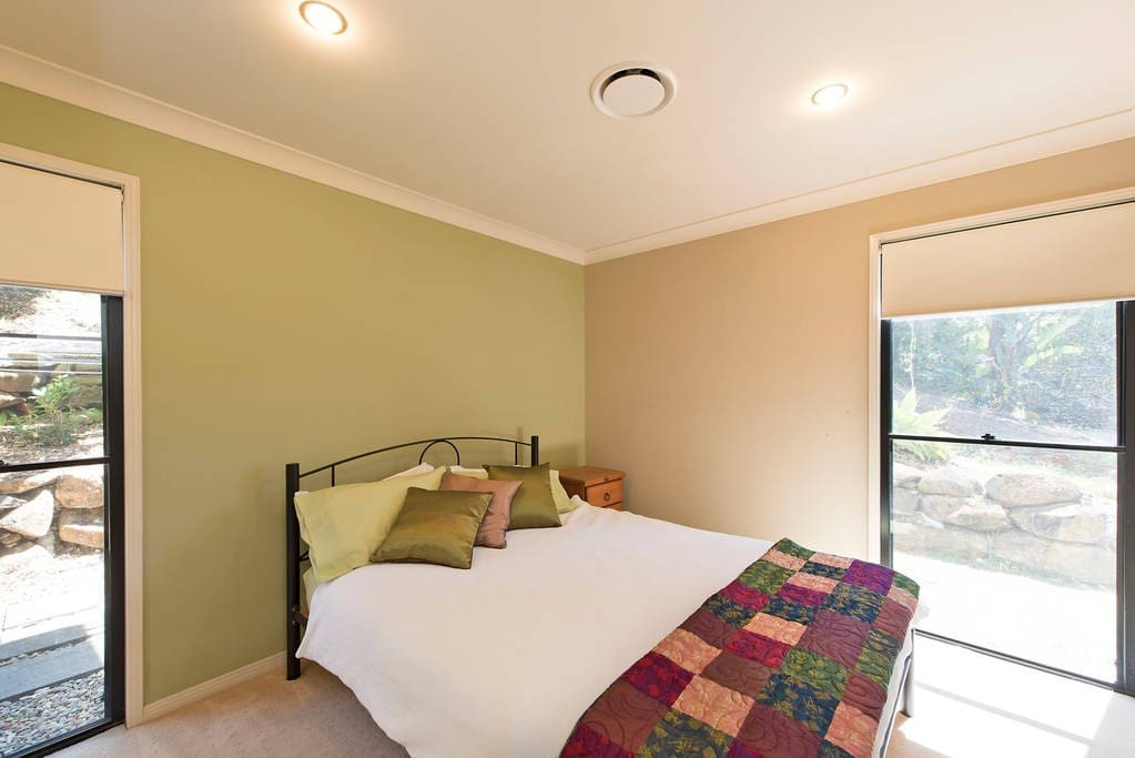 Clean and tidy rooms with comfortable double beds.