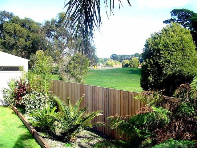 Students & Happy Travellers Welcome - Frankston South - Casa