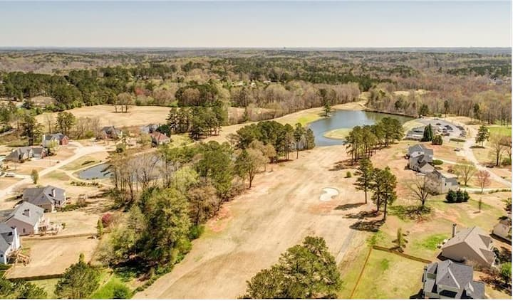 ELOQUENT HOME, LAKE, GOLF, COUNTRY CLUB LIVING