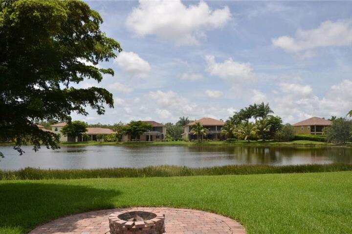 Southwest Florida Estate Home close to the beach!! - Estero