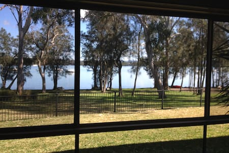 Lake Macquarie Waterfront Self Contained Guestroom - Mannering Park