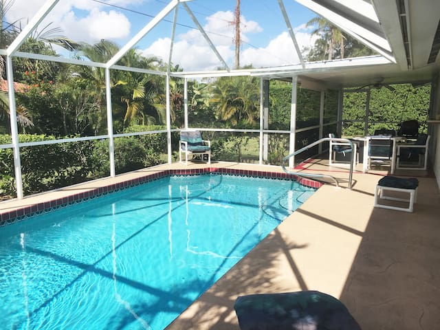 RELAX:) Vacation pool home (Shamrock Park&Beaches)