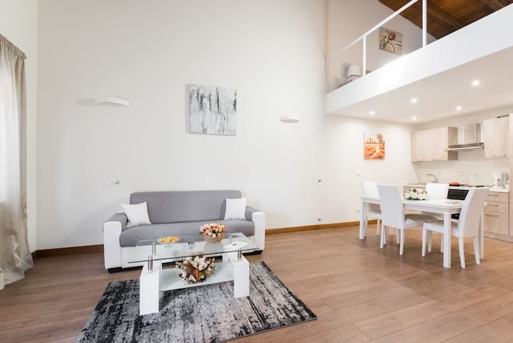 *****FIVE  STARS INDEPENDENT HAUSE 70 MQ *****