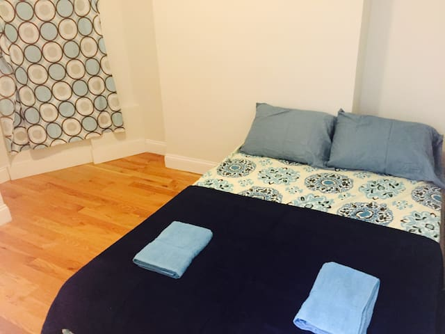 nice bed room.$850/M up to 3month ★female only