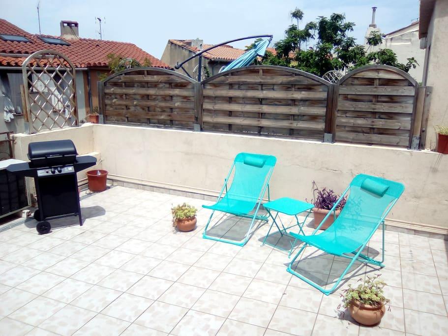 100m2 terrasse avec barbecue en centre ville appartements louer perpignan france. Black Bedroom Furniture Sets. Home Design Ideas