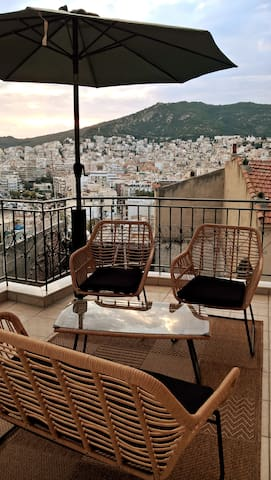 Elegance Greek Villa In Old Town