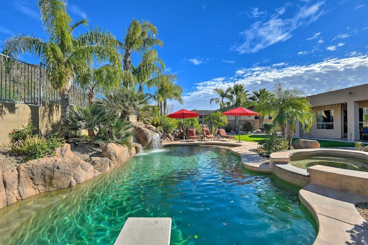 Phoenix Home w/ Pool, Spa, Yard & Mountain Views!