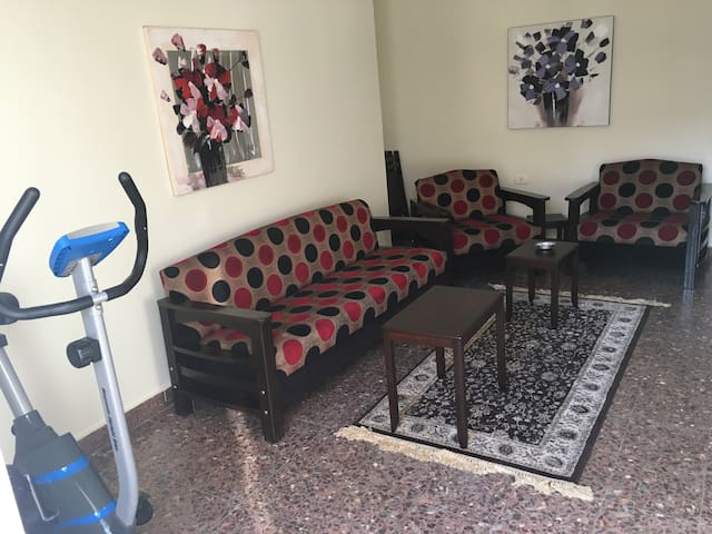 Small Apartment in Mar Mikhael Naher area - Beirut - Apartamento