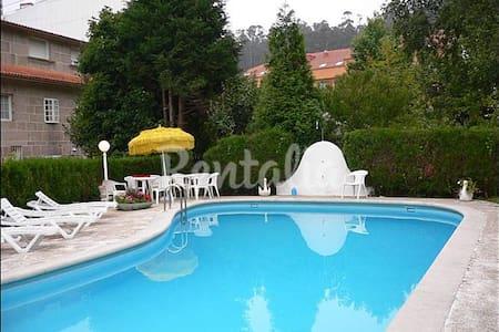 Chalet con piscina en Combarro - Combarro