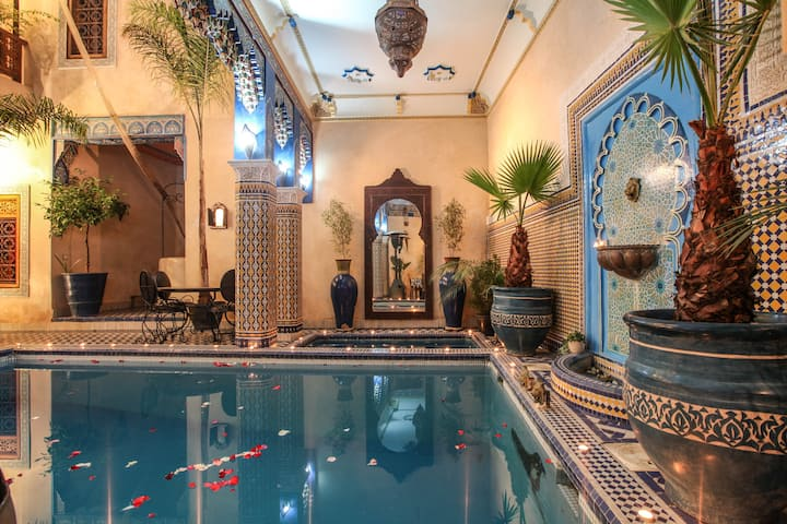 @ Riad A Marrakech  place Jama el Fnaa SWIMINGPOOL