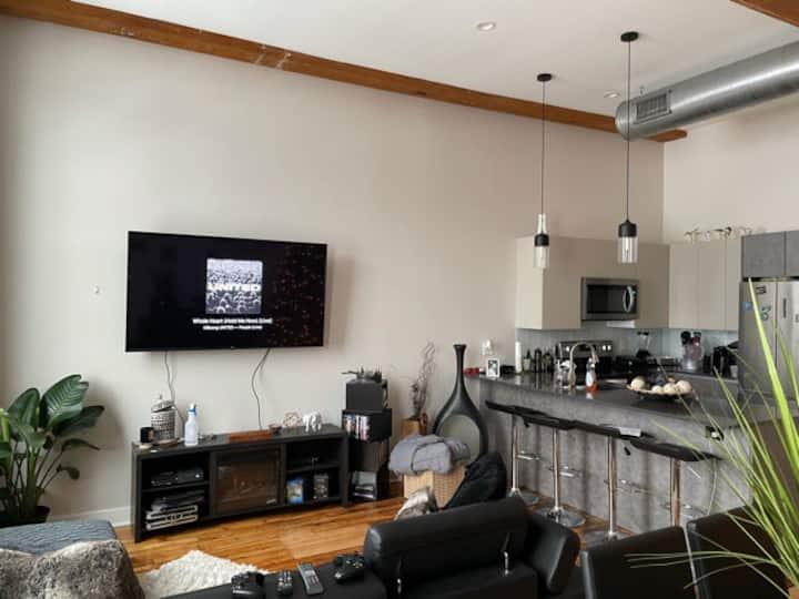 Loft for Monthly Rental/Sublet