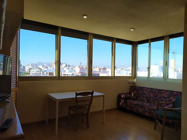Private Room in duplex penthouse Renfe - Maisonave