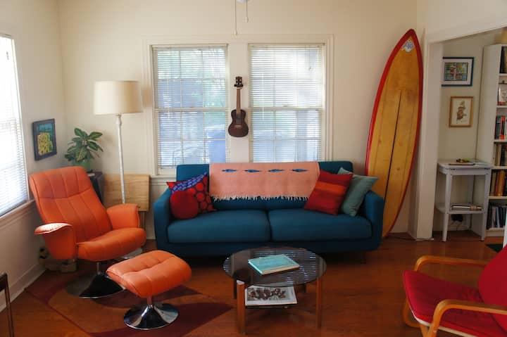 Quaint Zilker Cottage Apartment for December