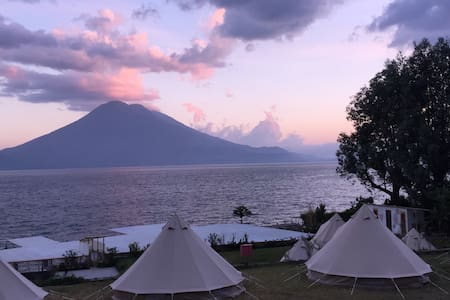 Lakeside Volcano views + Glamping Tent + Eco/Fun!! - Santa Cruz la laguna - Stan