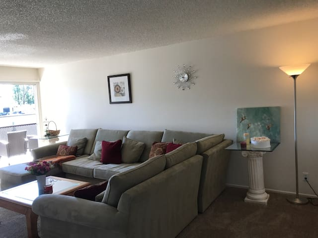 3 bedroom Apartment in Thousand Oak - Thousand Oaks - Lakás