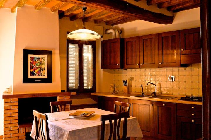 Appartamento in borgo medioevale - Murlo - Apartemen