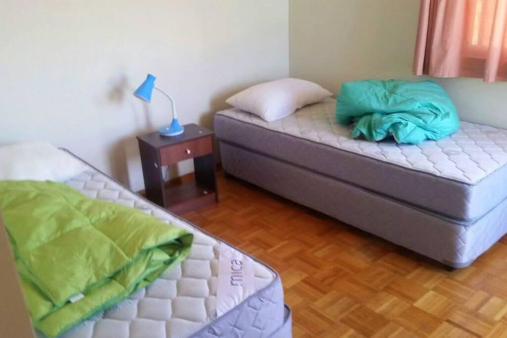 Dormitorios compartidos , impecables y cómodos.